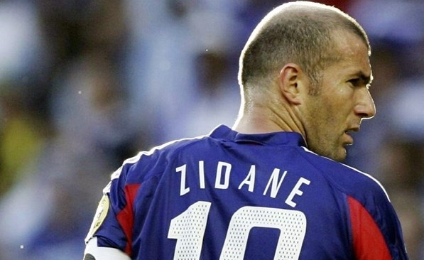 サッカーの上手いハゲを一人想像して下さい