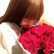 長友、平愛梨の誕生日に年齢分のバラを送り芸スポ民ドン引き