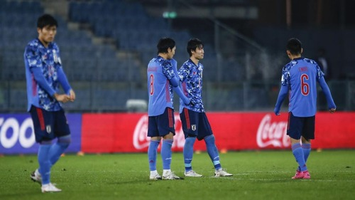 【悲報】日本代表がつまらない理由「本田や香川のようなスターがいない」「発言が無難で没個性化」