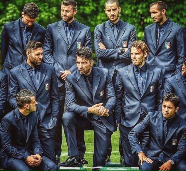 【画像】サッカーイタリア代表がゲームキャラのようだと世界中で話題に。