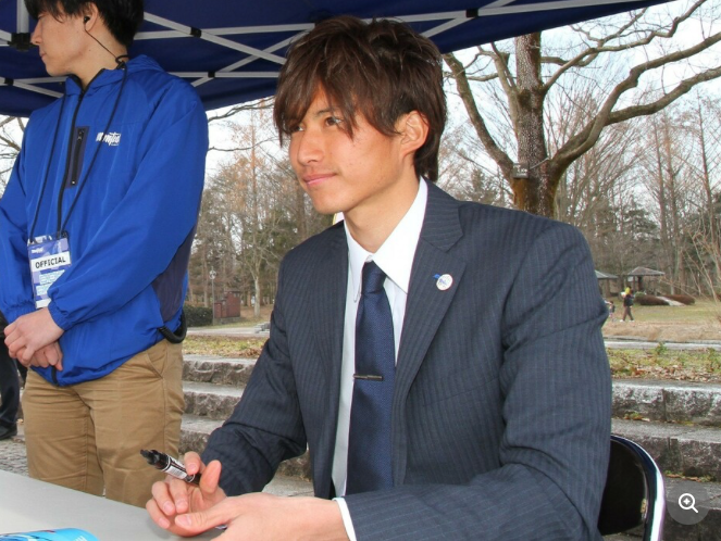 女性ファンからの人気絶大…元山形GK摂津氏、引退後初めて公の場へ! 選手の恋愛事情を語る