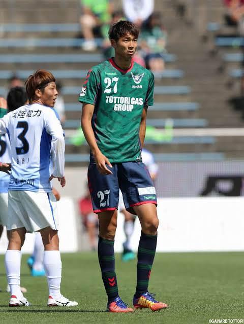 鳥取、205cmの長身FW畑中ら4選手と契約満了