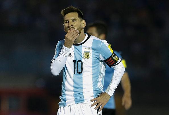 """""""メッシ抜き""""のロシアW杯も? 5位アルゼンチン、3位ウルグアイとドローで本戦出場は黄色信号"""