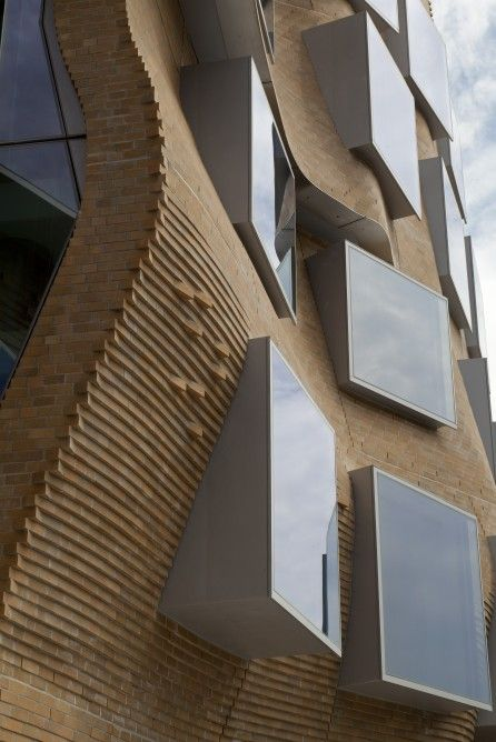 Frank-Gehry_Dr-Chau-Chak-Wing-Building_5