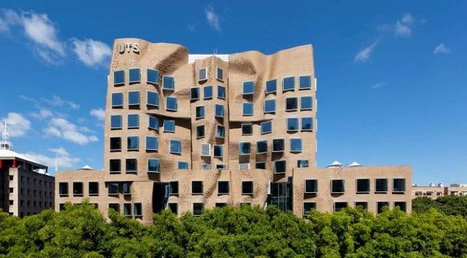 Frank-Gehry_Dr-Chau-Chak-Wing-Building