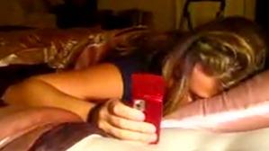 寝ながらメールやツイッターをしてしまう新タイプの夢遊病が増加中!