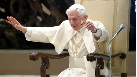 ローマ法王、ツイッターアカウント閉鎖へ 退位時に