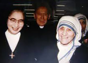 ●マザーテレサとシスター渡辺jpg