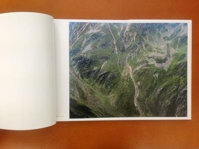 松江泰治写真集『世界・表層・時間』2