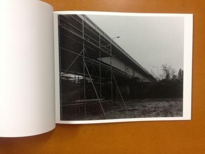 村越としや写真集『濡れた地面はやがて水たまりに変わる』3