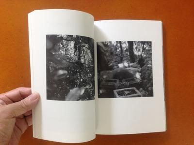 『連続写真展 沖縄で/写真は 記録集』小原佐和子