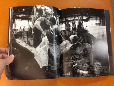 本橋成一写真集「屠場」1
