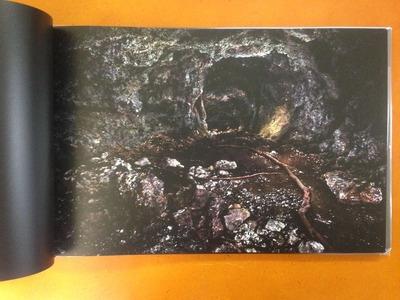 オサム・ジェームス・中川写真集『GAMA CAVES』2