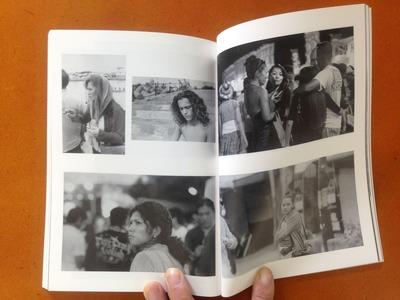『連続写真展 沖縄で/写真は 記録集』小栗寿一