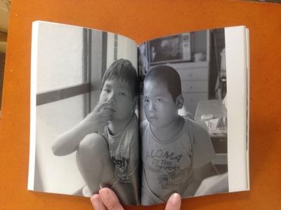 『連続写真展 沖縄で/写真は 記録集』伊禮若奈