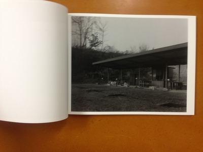 村越としや写真集『濡れた地面はやがて水たまりに変わる』2