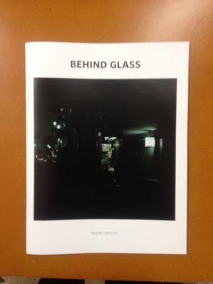 �ޥ̥��롦�ե��������̿�����Behind Glass��