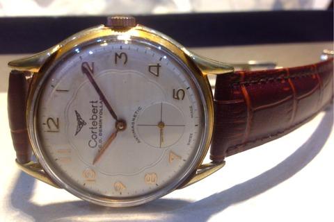 Cortebertの手巻き銅時計