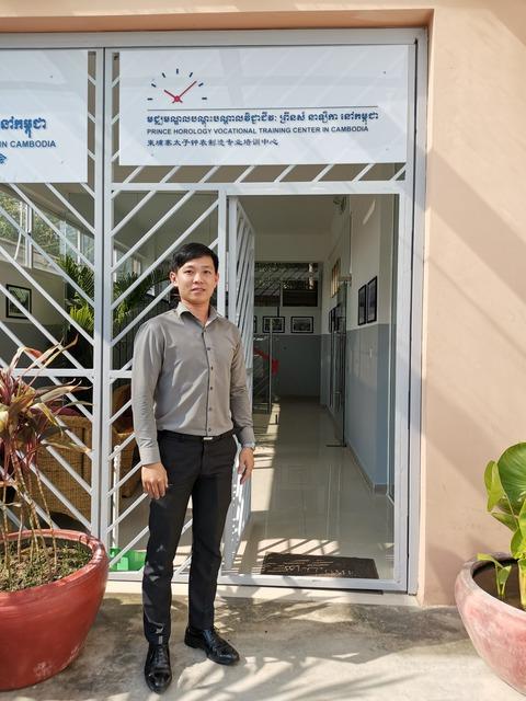 カンボジア初の時計学校、Prince Horology訪問!その3