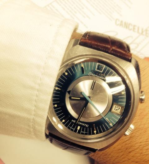 青い時計は難しい?OMEGA memomatic