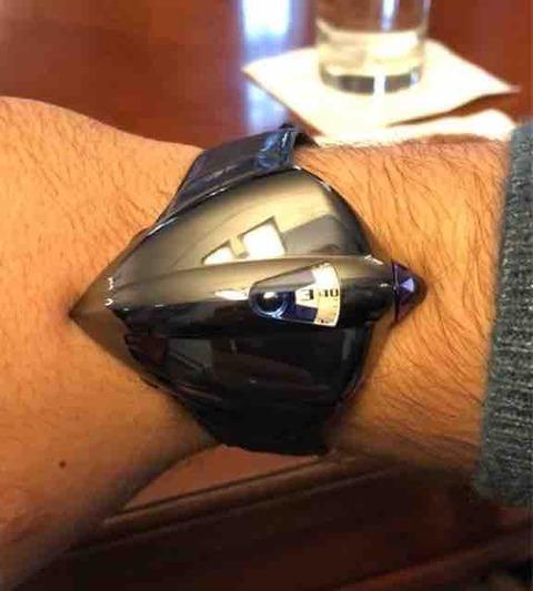 SIHH2018で発見された謎時計 (*正体判明、更新済)