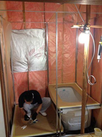 TOTOのお風呂の設置が始まりました