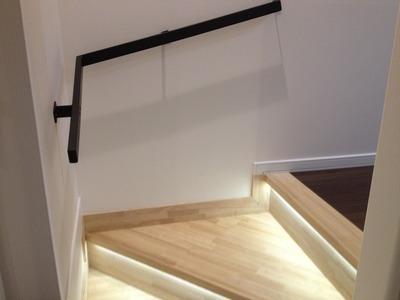 Solid Home 滝川市 造作オリジナル光る階段間接照明