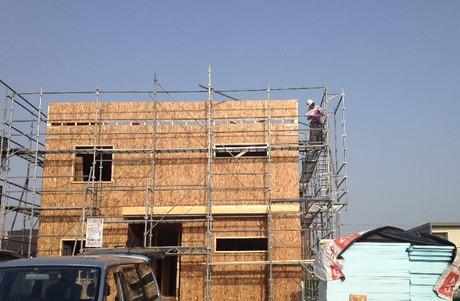二階も順調に完成しいよいよ中工事へ滝川で外壁工事