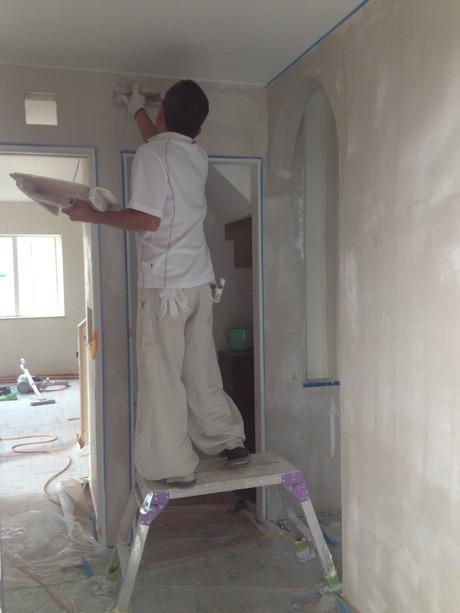 幻の漆喰は世界初の「ウィルスを99.99%殺す壁材」