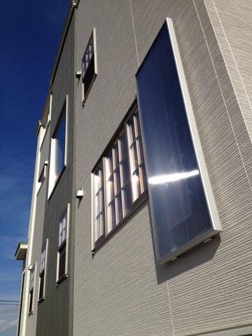 隠れクーポン。太陽光熱パネル施工費無料⇄一冬モニタリング。