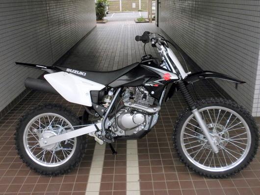 DRZ125L(黒)右