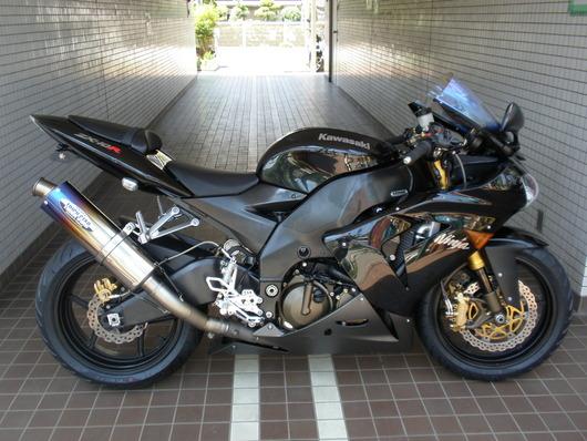 216ZX-10R(黒)右
