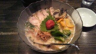 CIQUE 浅利の冷製スープと南光梅の塩冷やし麺
