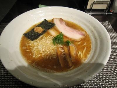 ひろまる 濃厚魚介ラーメン(濃厚醤油)