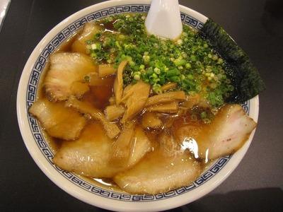 徒歩徒歩亭 叉焼麺(ド醤油味)