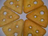 右「チェダーチーズ」左「カマンベールチーズ」
