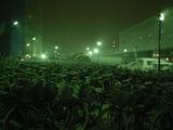 雪の中で寒そうにしている自転車たち