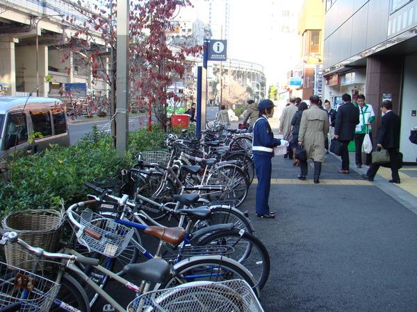 自転車の 自転車 赤羽橋 : 自転車撤去ってチェーンで ...