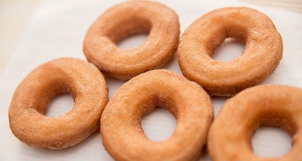 ドーナツに穴が開いてる理由がヤバすぎる件wwwww