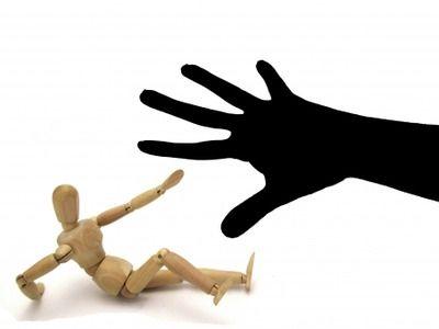【こわE】目があった男性に暴行…少年2人逮捕