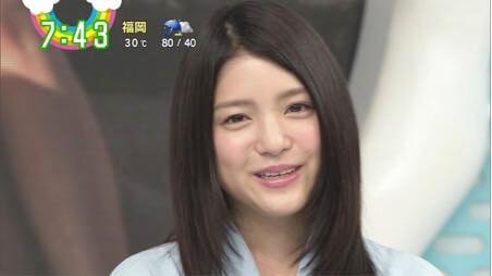 """【訃報】川島海荷、""""既婚者テレビマン""""との不倫手つなぎデート写真撮られる・・・"""