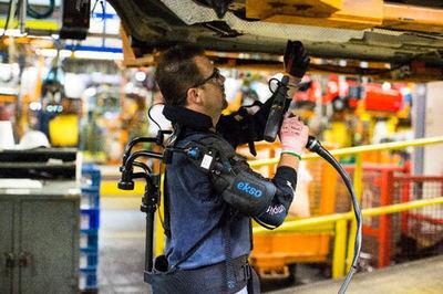 米国、産業分野にパワードスーツを投入決定 、体の故障を防ぐ、日本また開発遅れる