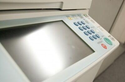 【悲報】入社3年目ワイ、コピー用紙5000枚と間違ってコピー機5000台を発注し無事死亡した結果