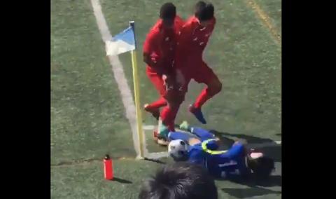 東福岡サッカー部員、とんでもないラフプレーをしてしまう