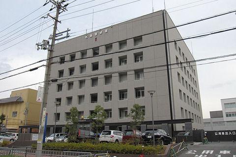 東大阪市のキャバクラ店で1300万円入った準備金や売上金の金庫盗まれる