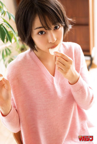 【朗報】広瀬すずちゃんの最新グラビアがぐうかわすぎるとネット上で話題に