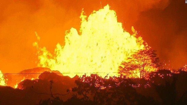 キラウエアの空撮が完全に地獄絵な件。大規模噴火の前触れの恐れも・・・ってこれ以上になるんかよw