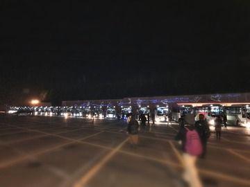 モー娘のバスツアーがまるで中国の爆買い観光客のような光景wwww