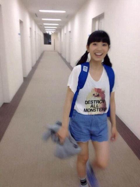 【悲報】miwaさん、とんでもない服を着てしまう