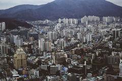 韓国・釜山 徴用工像をトラックに積んで撤去 市民団体敗北